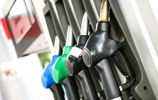 Sebastian and Vero Beach gas prices are expected to drop further before July 4.