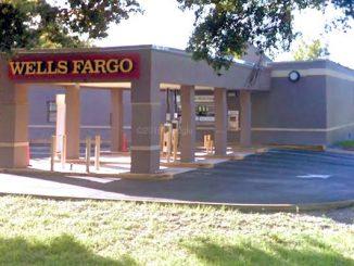 Vero Beach Wells Fargo call police about an ATM theft.