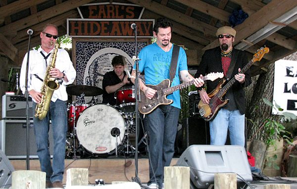 Mike Zito performed at Earl's Hideaway Lounge to help Hurricane Harvey victims.