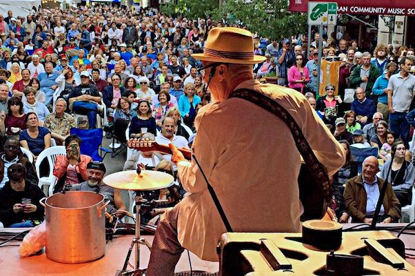 The Sauce Boss will cook up a large pot of gumbo while he performs this weekend at Earl's Hideaway.
