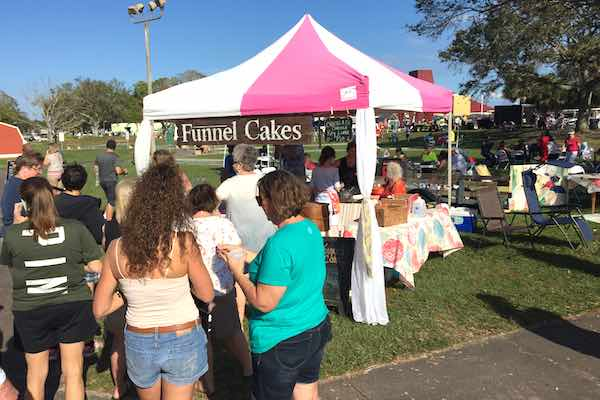 The Funnel Cakes booth was busy! Everyone was talking about those cakes.  (Photo: Andy Hodges)
