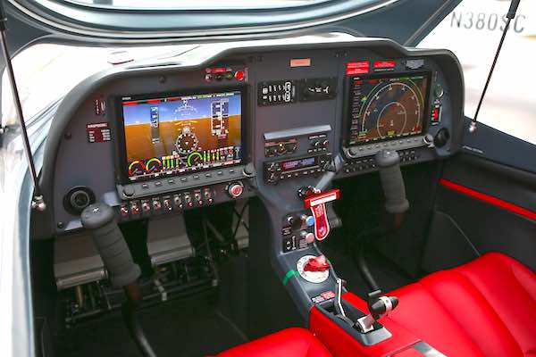 Inside the cockpit of the Sport Cruiser. Image courtesy of Cruiser Aircraft.
