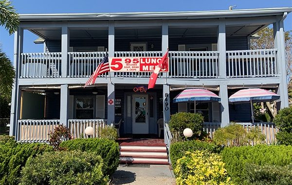 """Jimmy """"Three Fingers"""" offers a great lunch in Micco, Florida."""