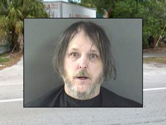 Man steals his car back from towing company in Vero Lake Estates, Florida.