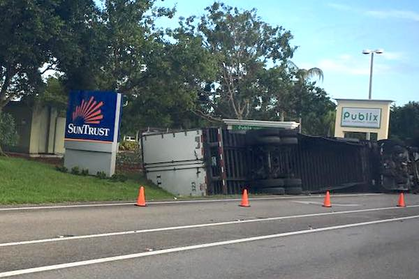 Tractor-Trailer accident causing delays in Sebastian, Florida. (Photo: Janet Kennedy)