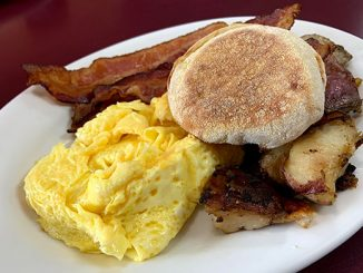 Cafe in Paradise breakfast review in Sebastian, Florida.