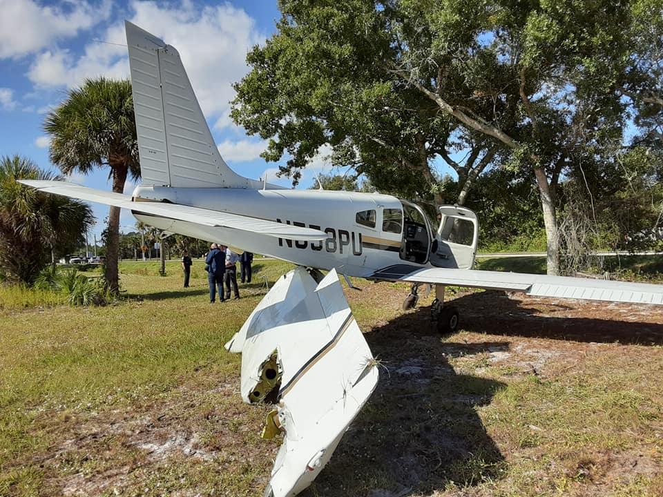 A plane crashes in Vero Beach. (Photo by VBPD)
