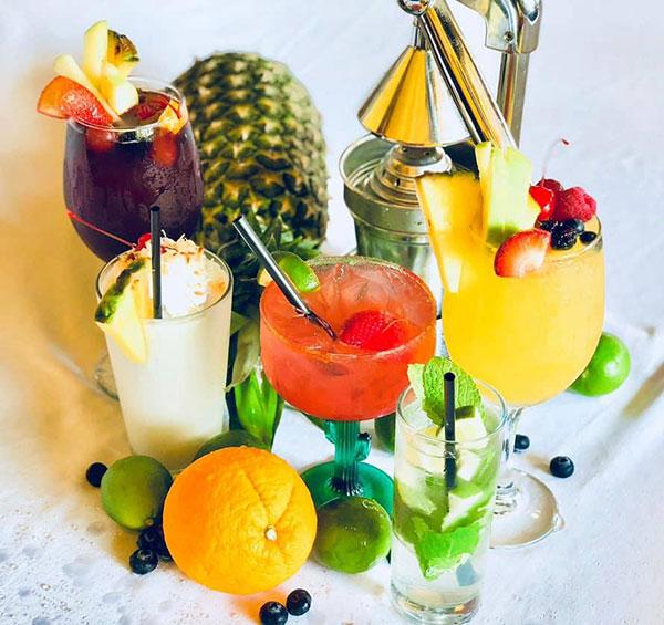 Las Palmas cocktails.
