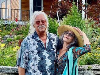 Arlo Guthrie and Marti Ladd (Credit: Lisa Portella)